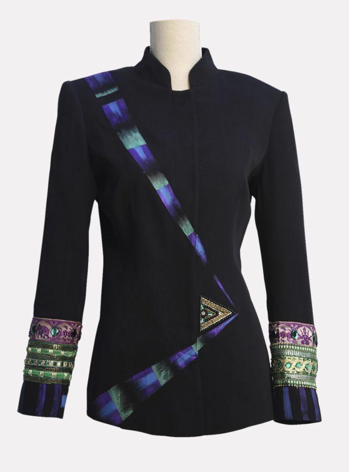 giacca con applicazioni gioiello elegante