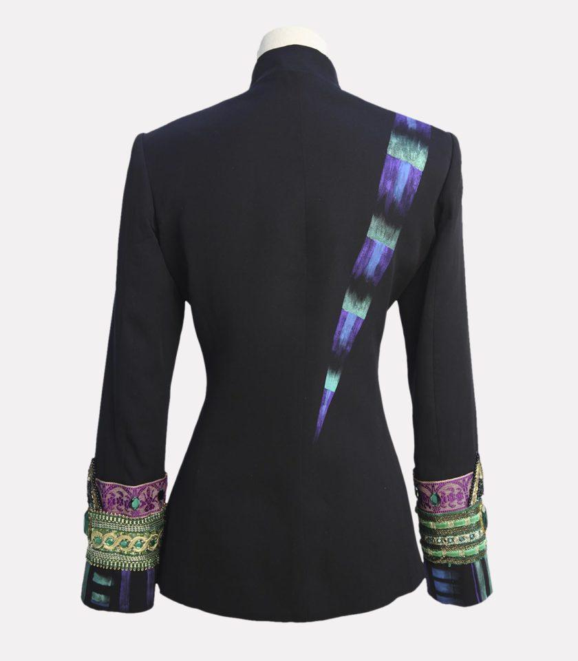 giacca con applicazioni gioiello nera