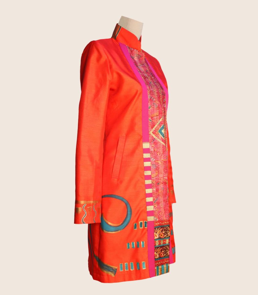 giacca lunga elegante con disegni optical